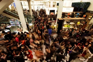 holiday-shopping-crowd